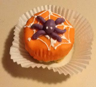 pasta-di-zucchero-torta-cake-cup-cupcake-halloween-ragno-spider-ragnatela