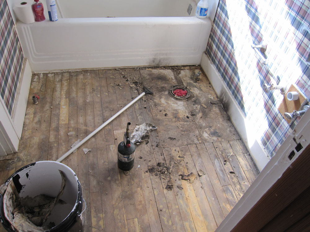 My homemade life farm house in the country preparing to for Leaked bathroom photos