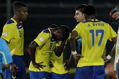 Paraguay 2 - 1 Ecuador (2)