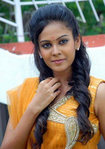 new telugu actress chandini kalicharan movie heroine stills