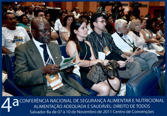 Pedro, Laydiane e Alcemi na plenária