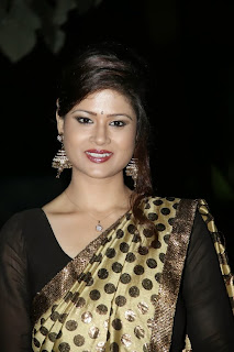 Anchor Shilpa Chakravarthy Pictures in Saree at Tanu Monne Vellipoyindi Movie Audio Launch  0004.jpg