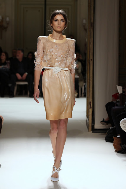 جورج حبيقه - Georges Hobeika Couture Spring Summer 2012 47.jpg