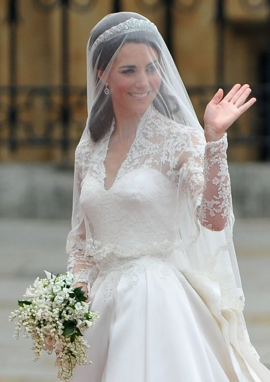 Kate Middleton 39s wedding dress was an ivory gown with lace applique floral