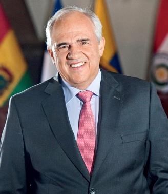 Ernesto Samper con una gran sonrisa