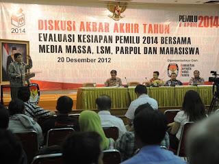 "Diskusi Akbar Akhir Tahun ""Evaluasi Kesiapan Pemilu Tahun 2014"