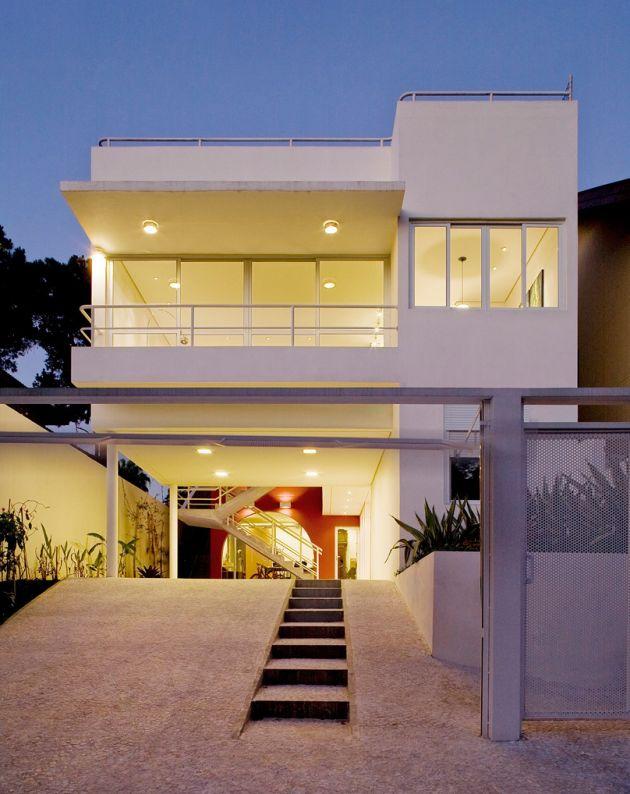 Modern house design sao paulo brazil modern house plans designs 2014 - The narrow house of sao paolo ...