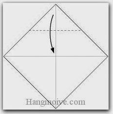 Bước 2: Gấp góc giấy xuống dưới.