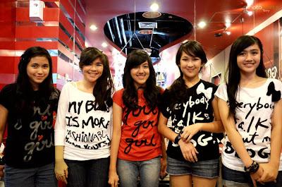 girlband blink
