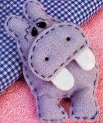 http://manualidadesdehogar.com/hipopotamo-de-fieltro