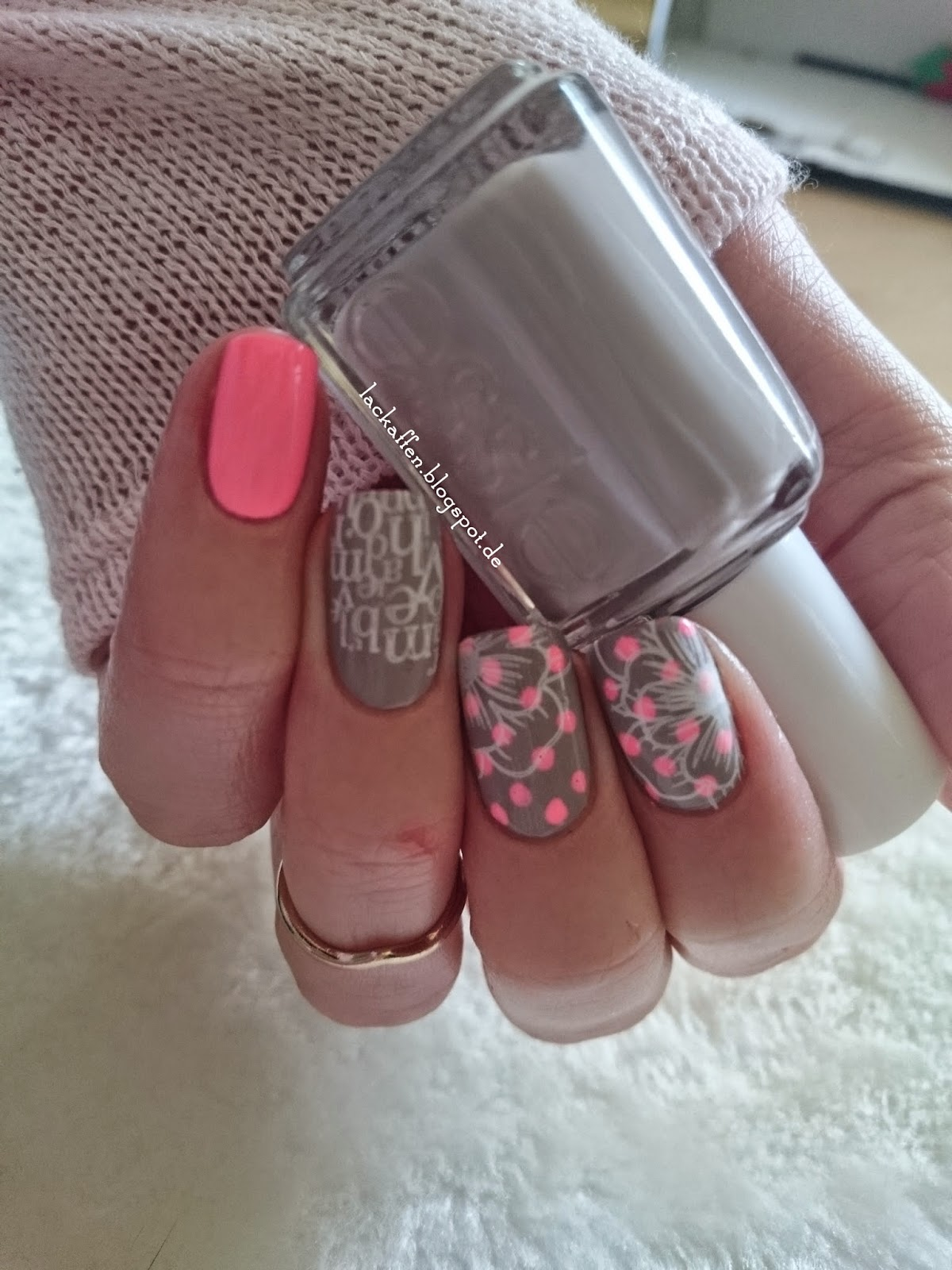 nageldesign french mit muster - Nageldesign ganz leichtes Muster