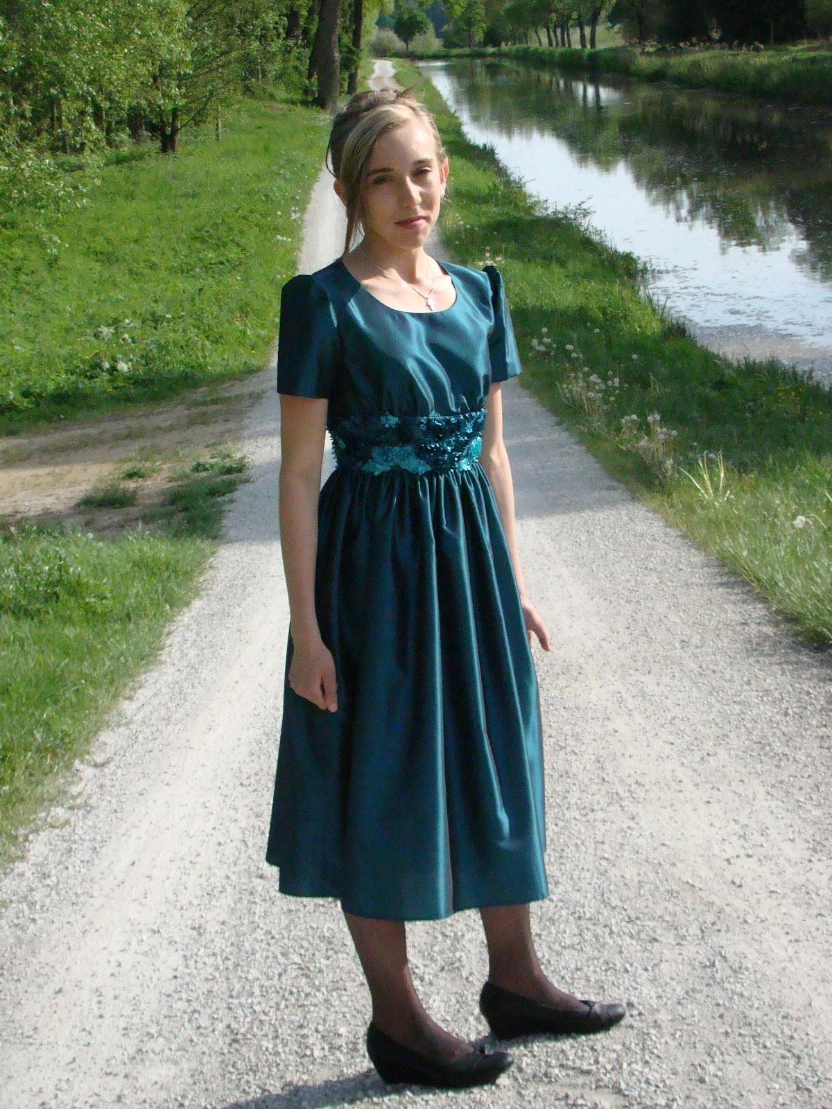Nähen und mehr: Ein Kleid zur Konfirmation