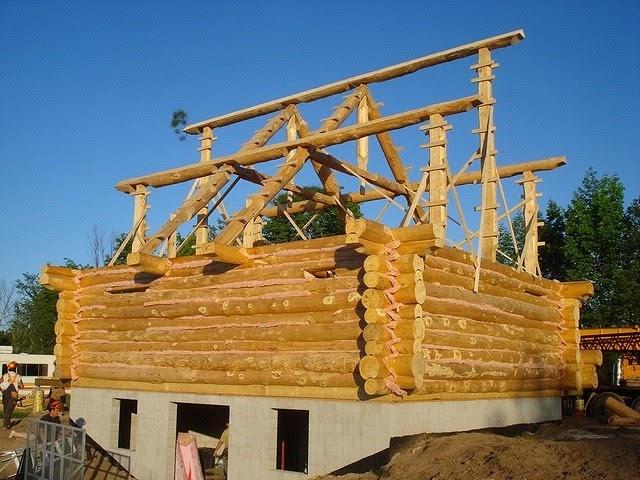 Construction en fuste rondins pyr n es constructions en fuste elagage abattage for Construction en bois wiki
