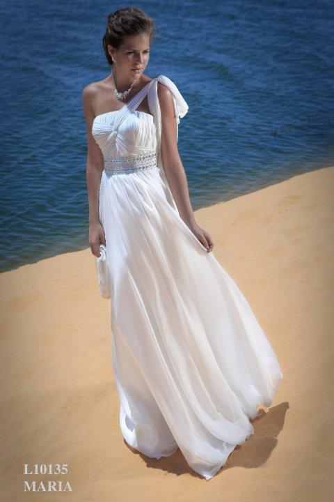 La robe de mari e empire coiffure mariage for Robes de mariage en consignation ct