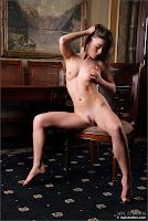Raisa Body Language 009