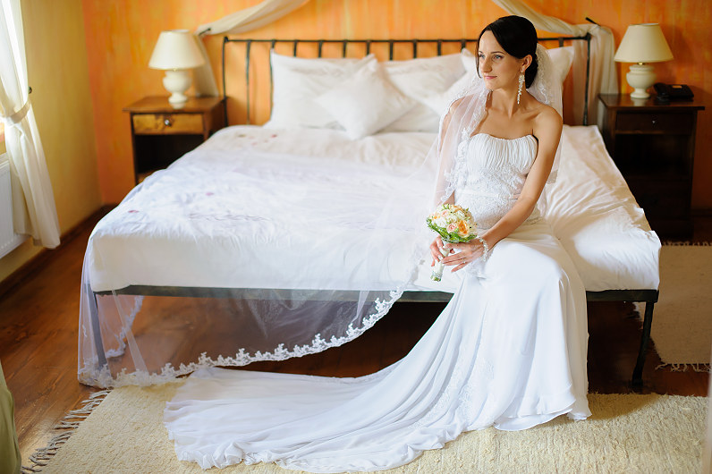 vestuvių fotosesija viešbutyje romantic