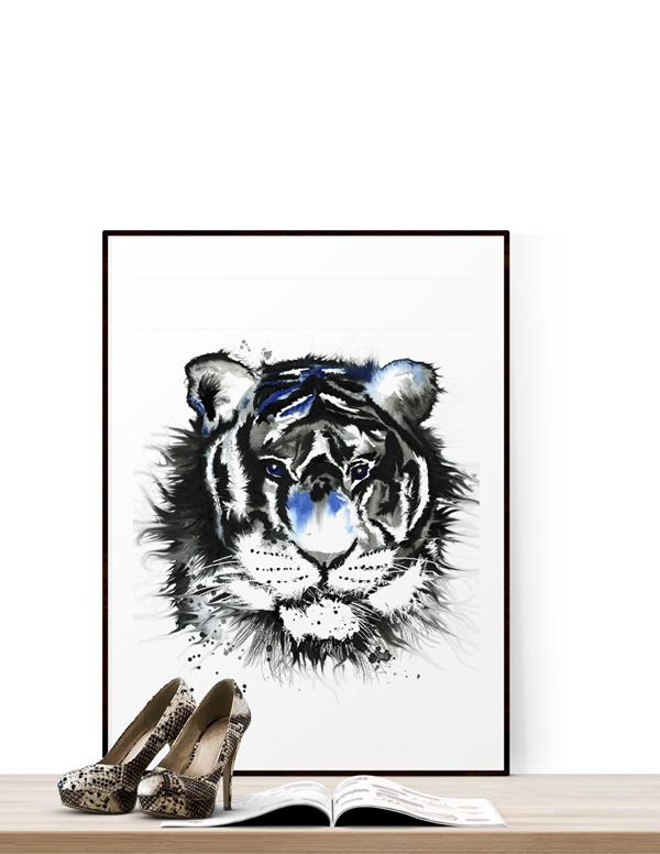 konsttryck, tavla, tavlor, poster, posters, tiger, tigrar, blått och svart, vitt, svart och vitt, tigern, plakat, plakater, webbutik, webbutiker, webshop, inredning, inredningsbutik, butiker, shop, nätbutik, nätbutiker, nettbutikk, nettbutikker, annelies design, interior, interiör, på väggen, tavelvägg, tavelväggar,