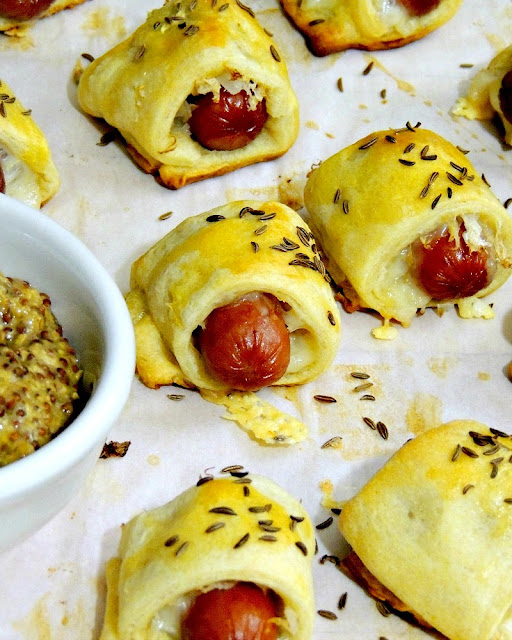 Mini Reuben Pigs in a Blanket from www.bobbiskozykitchen.com