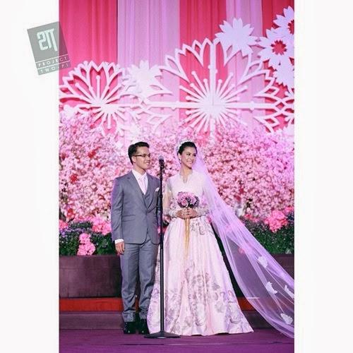 Gambar majlis resepsi pernikahan Fouziah Gous dan Zhafran (31 Photo)