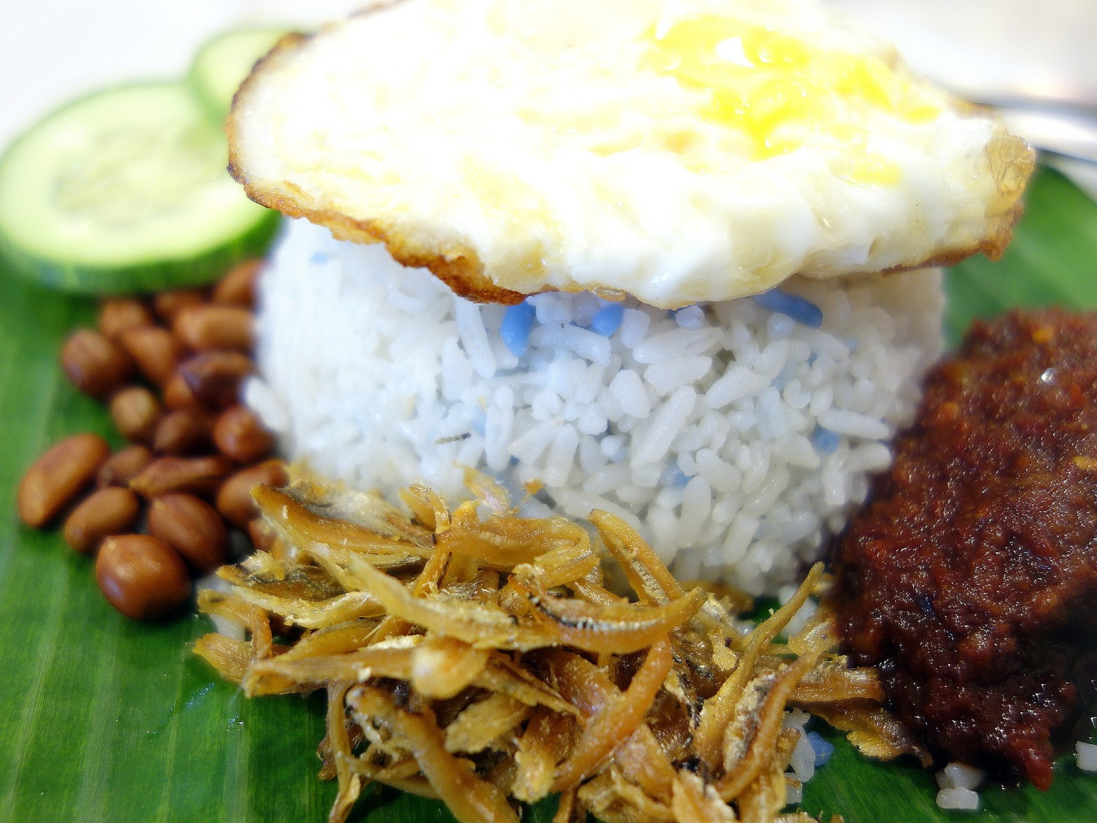 cultural and heritage with malaysian cuisine 'edible identities: food as cultural heritage is a must-read for all who engage in the politics of identity formation and would be of especial interest for scholars .