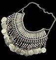 http://www.stylemoi.nu/bohemian-coin-tassel-collar-necklace.html