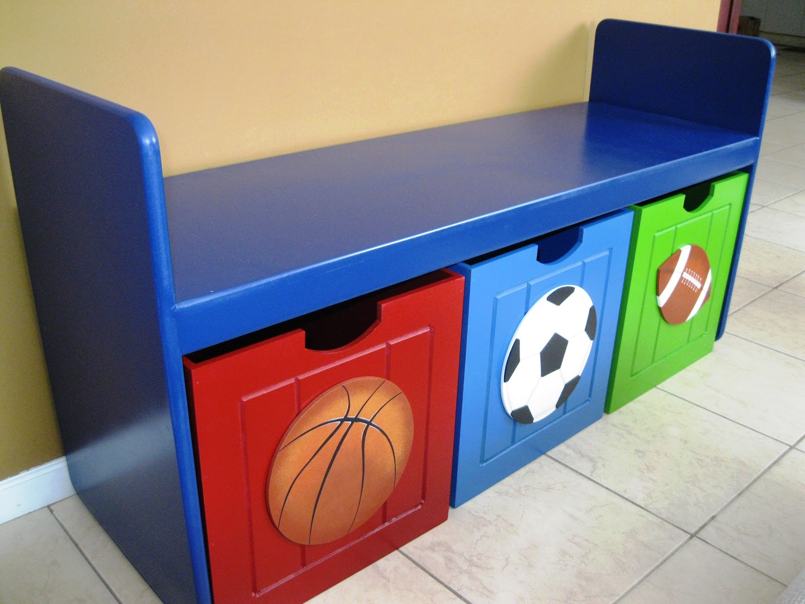 Rums decoracion infantil for Mueble juguetero