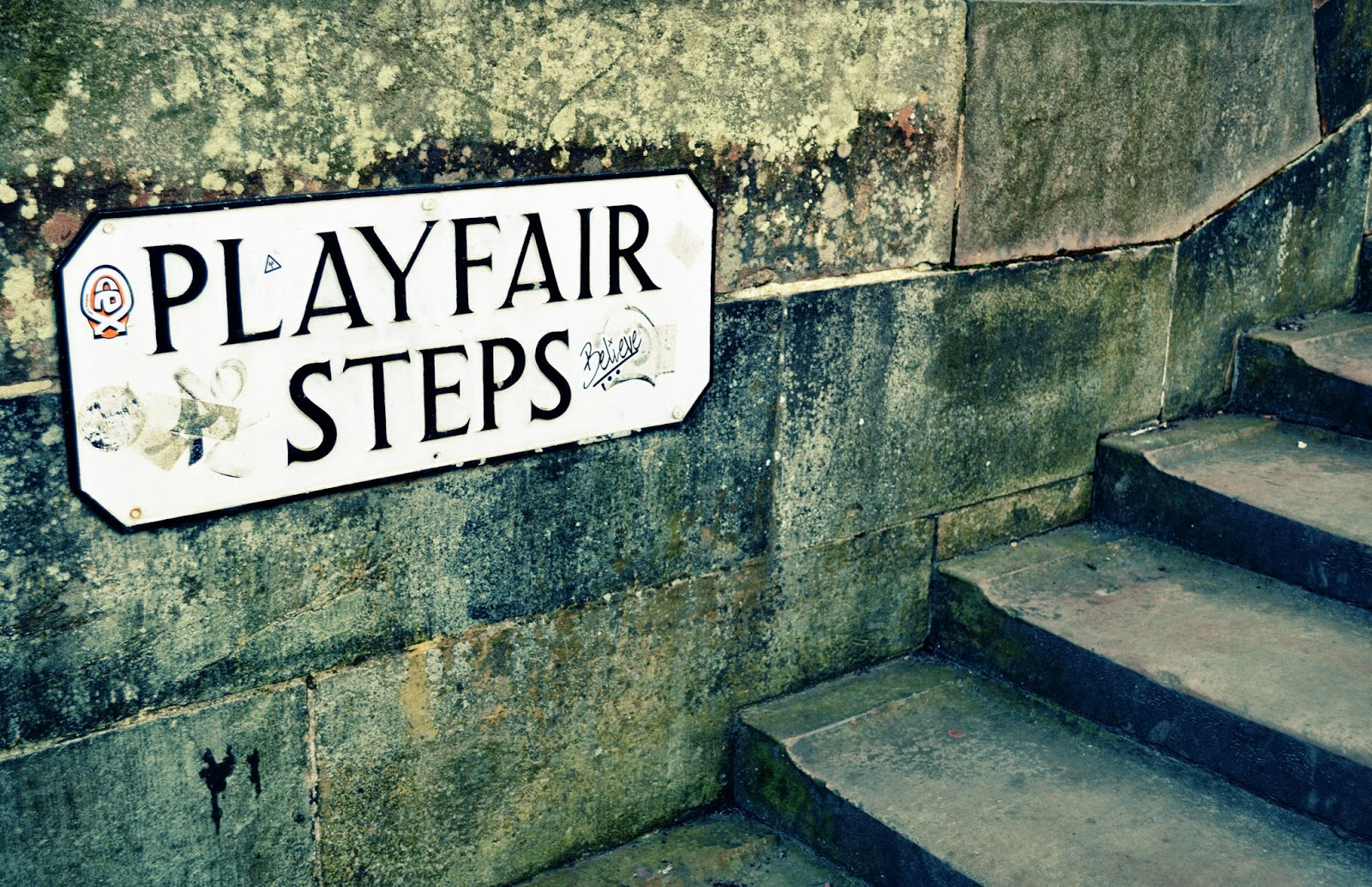 Edinburgh, Scotland, murder, fiction, playfair steps, Irvine Welsh, Filth, review, book, literature, contemporary