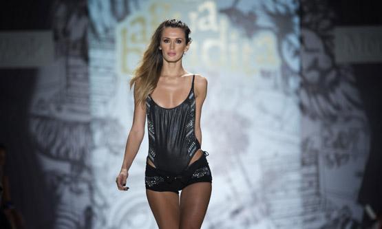 DHL-colecciones-trajes-baño-Mercedes-Benz-Fashion-Week-Swim-Miami