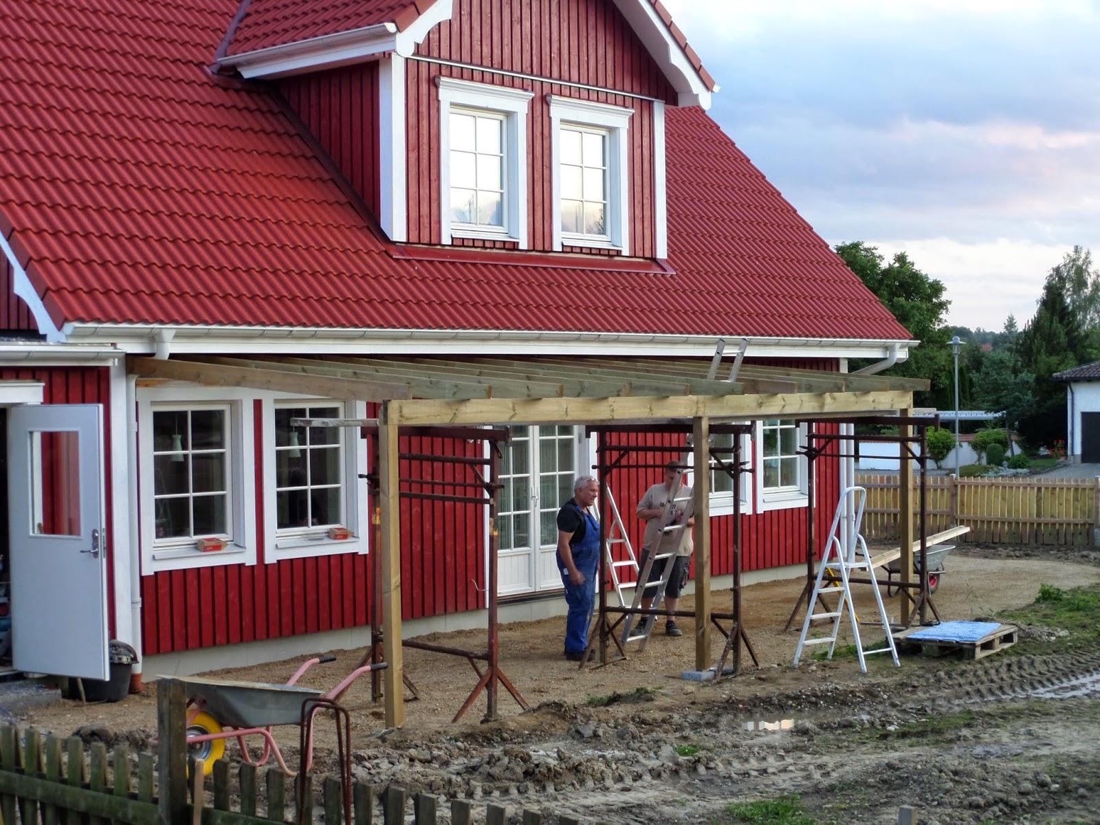 kleine lotta unser schwedenhaus zaun pergola und terrasse. Black Bedroom Furniture Sets. Home Design Ideas