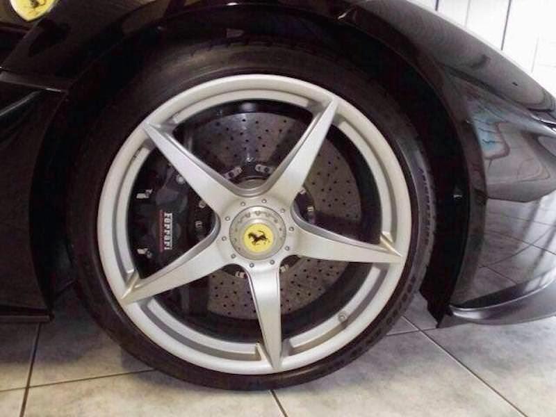 価格は3億7000万円!?ドバイのディーラーで「ラ・フェラーリ」を販売中!
