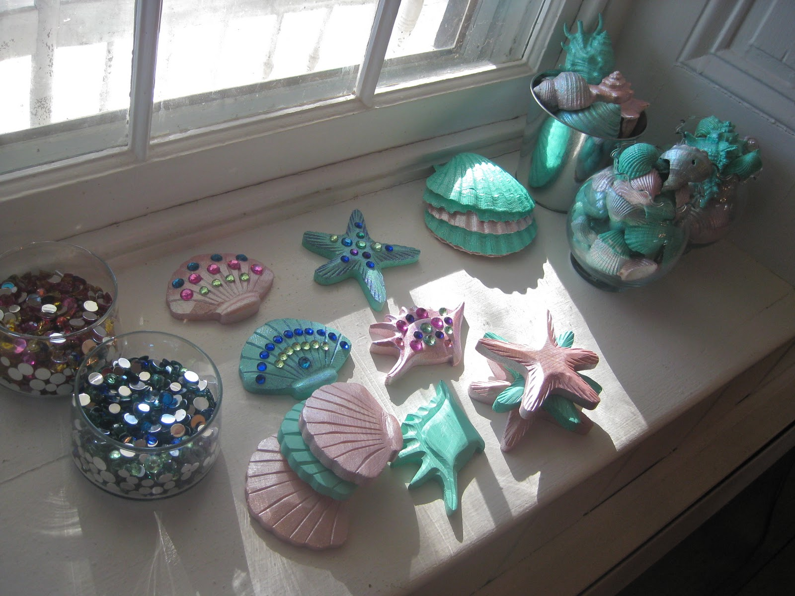 the pink pom pom  mermaid  under the sea party planning