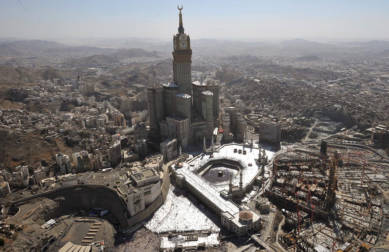 TheHajjandEidal Adha2011MeccaMakkah004 - Makkah Tower , Saudi Arabia