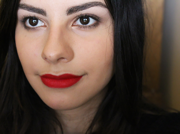 mac ruby woo lipstick review swatch nc30 face