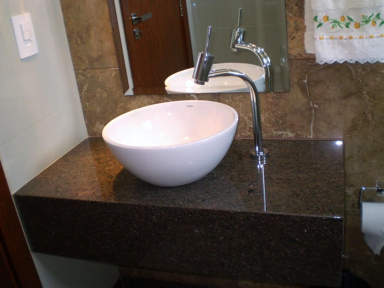 Eu já tinha mostrado esse banheiro pra vcs só não tinha mostrado  #624C38 1600x1200 Bancada Banheiro Estreita