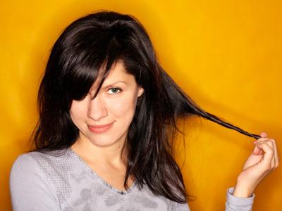 35-esq-twirling-hair-0909-lg-24324279.jp