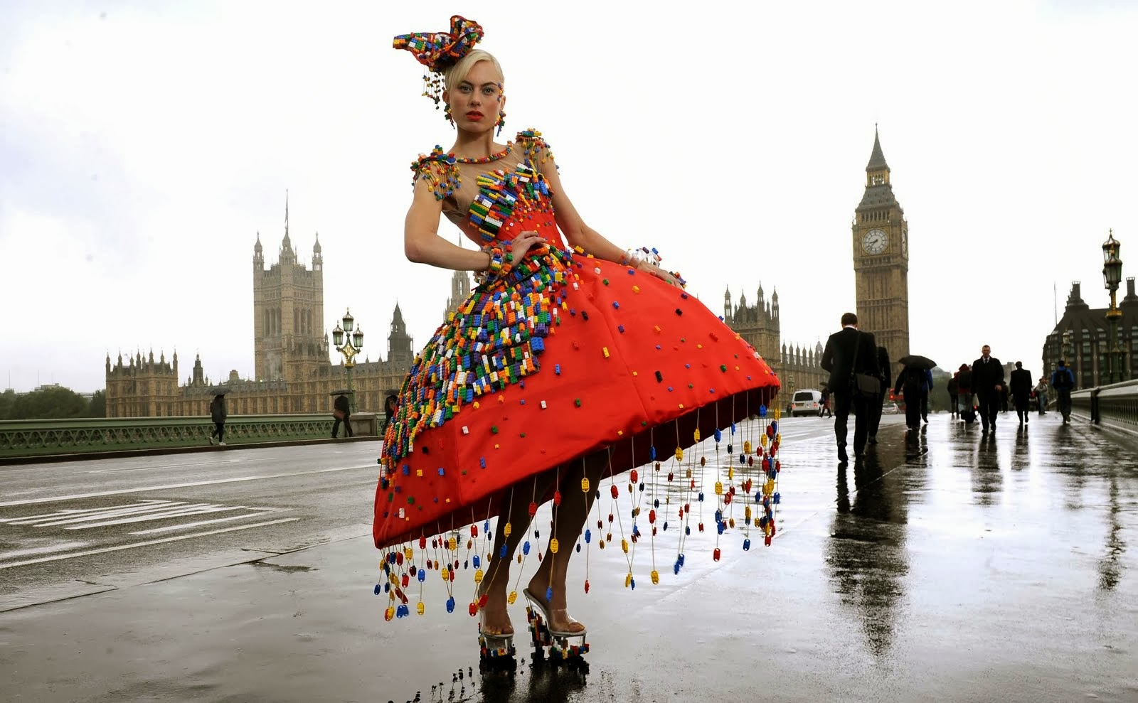 The lego dress presented at the London fashion week