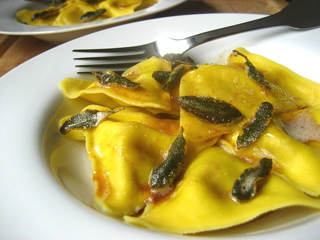 Stacey snacks fall dinner butternut squash ravioli w for What to serve with butternut squash ravioli