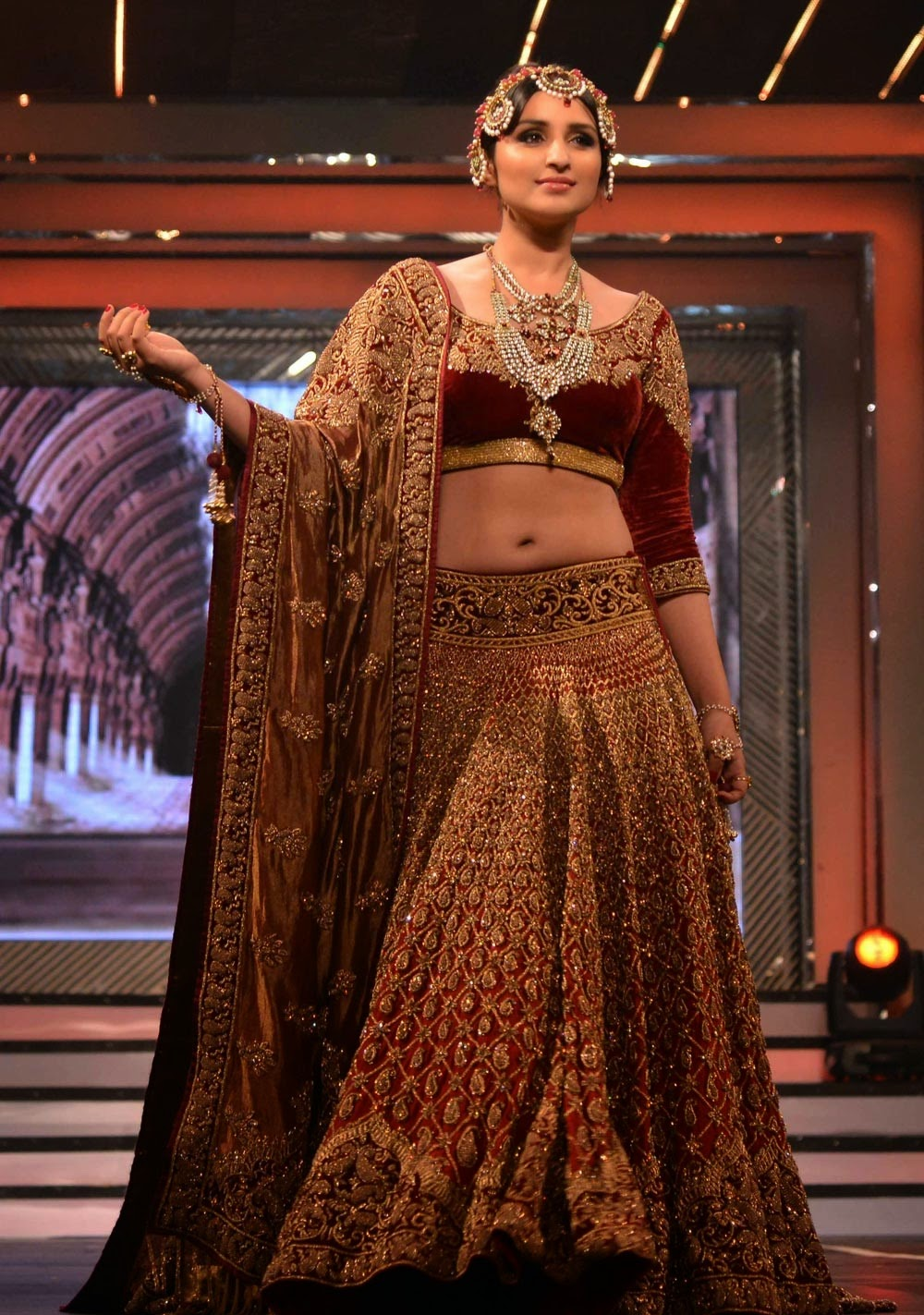 Indian fashion designer tarun tahiliani 87