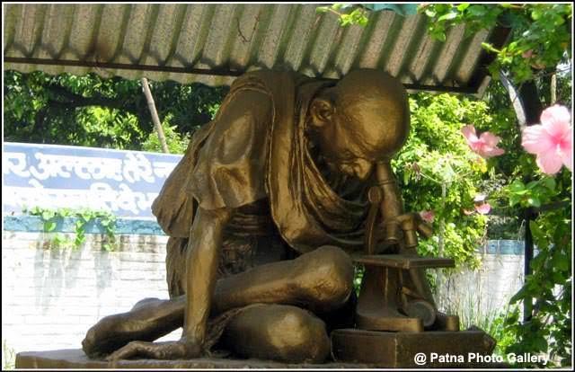Gandhi Sangrahalaya Patna Gandhi Sculpture