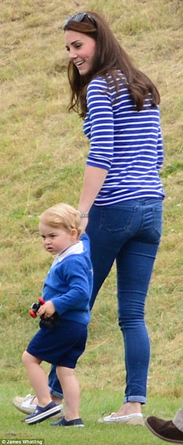 Kate Middleton flaunts slim figure six weeks after giving birth to Princess Charlotte