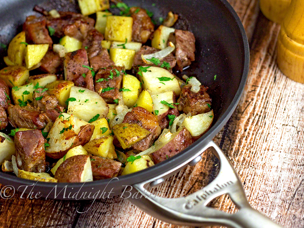 One-Skillet Roasted Steak & Potatoes | bakeatmidnite.com | #beef # ...