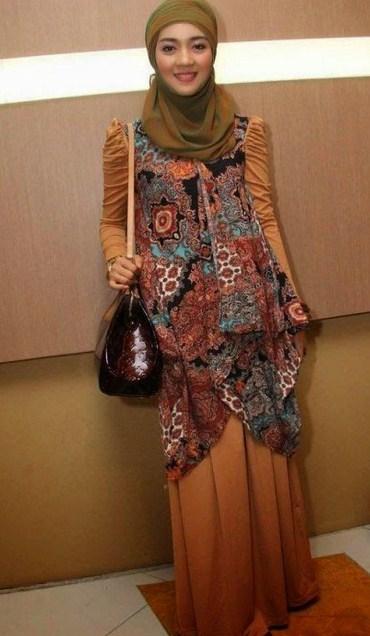 Baju Batik Modern Wanita Muslimah Terbaru Model Baju