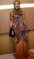 Baju Batik Modern Wanita Muslimah Terbaru