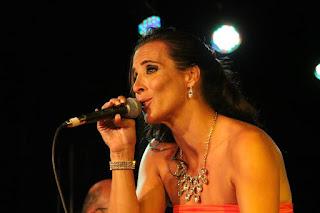 Cantora portuguesa Rita Porto se apresenta em Botafogo