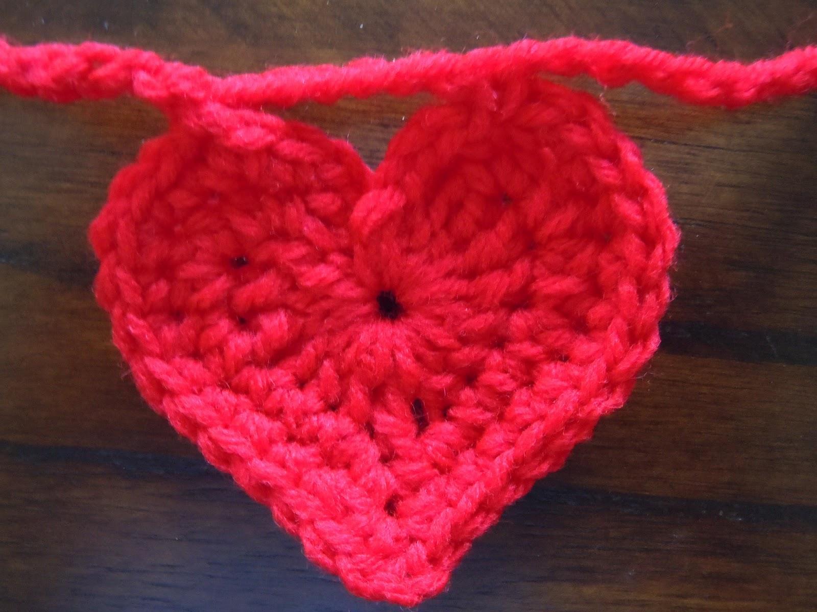 Illuminate Crochet: Heart Garland