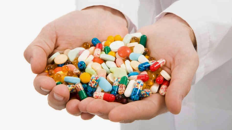 doctors offer handful of medicines ile ilgili görsel sonucu