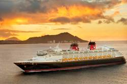 Disney Wonder In Hawaii - Disney Cruise Line -