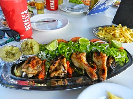 Lunch on João Fernandes Beach