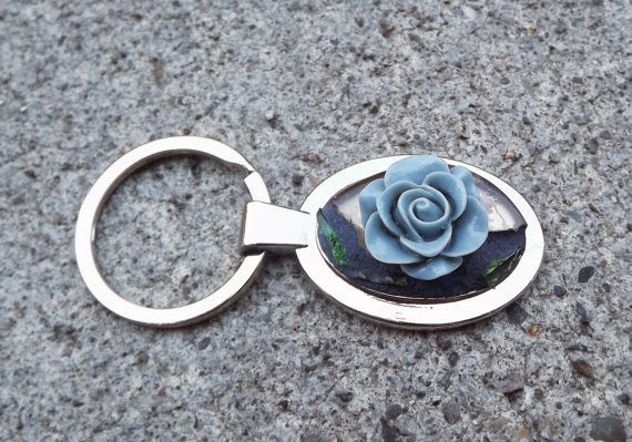 https://www.etsy.com/listing/160917663/blue-rose-mosaic-tumbled-glass-keychain?ref=shop_home_active_2