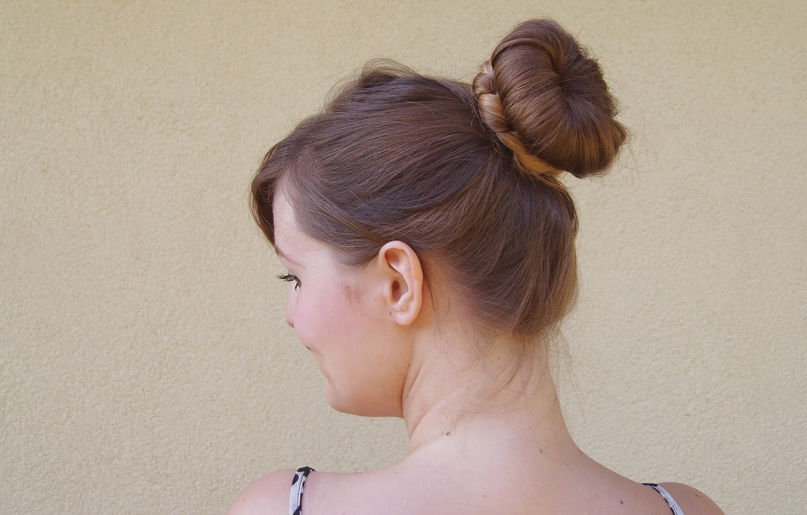 Hairstyle Using Bun : Nothin Fancy. Really.: Easy hairstyle tutorial: The Braided Donut Bun